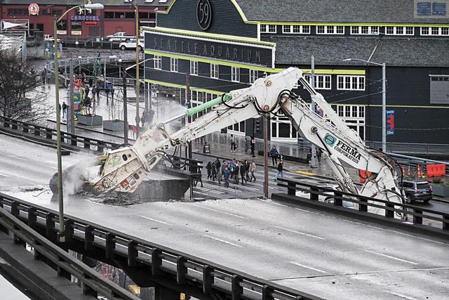 阿拉斯加高架橋清拆工作進展順利。華州運輸局