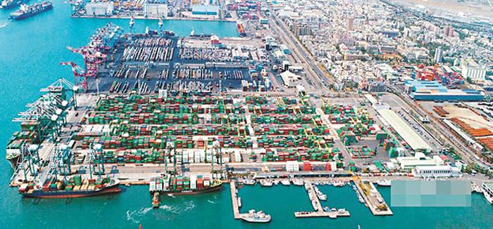 高市府表示,高雄要善用港灣城市優勢。圖為高雄港第五貨櫃中心。網上圖片