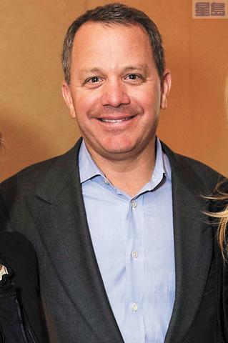被指付錢讓兒子進名校的其中一名被告富豪麥格拉桑。ABC7電視畫面