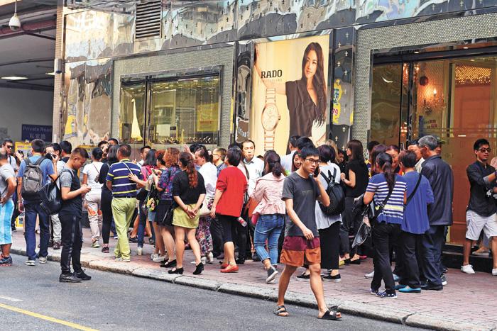 香港街頭有大批內地遊客。香港中通社資料圖片圖片