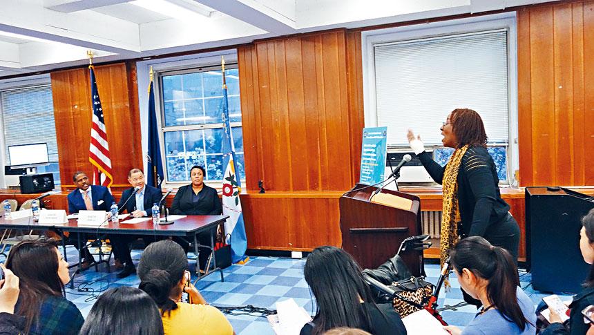 非裔Mary Alice Miller成為場上支持市長改革方案的少數發言人之一。