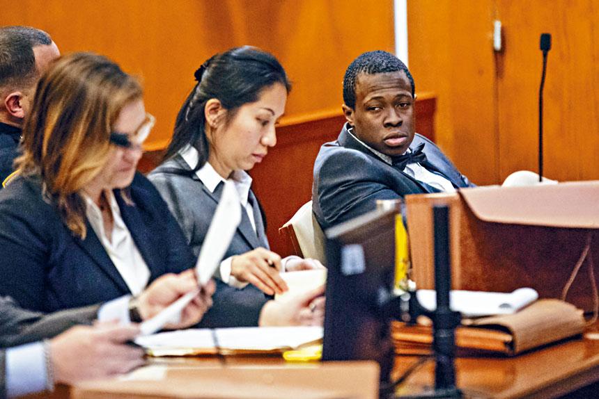 雖然劉易斯(右)已認罪,但定罪過程仍然波折重重。Uli Seit/紐約時報