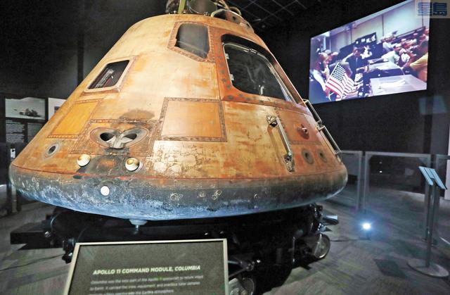慶祝載人登月50週年的「目的地月球︰太陽神11號的任務」今日起於飛行博物館開始,重點展品包括當年指揮服務艙、艾德靈登月時所戴的太空頭盔和手套、1:1登月艇模型和提供農神5號運載火箭動力的F-1引擎。該火箭將太陽神服務艙送上太空,其引擎逾40年後於大西洋才被打撈上水。美聯社