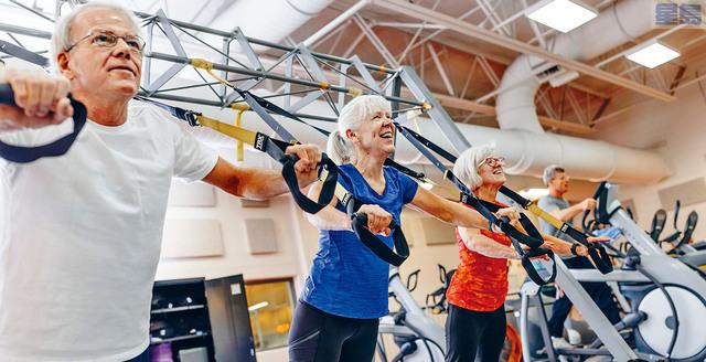 ■愈來愈多嬰兒潮一代,跑到健身中心運動、改善身體健康狀況。華爾街日報圖片