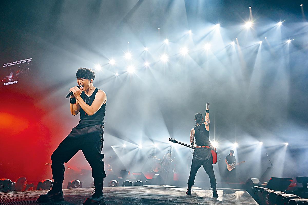 ■Mr.主音Alan在台上感性道出在香港做音樂的辛酸。