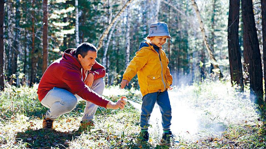 衛生局提醒稱,在戶外遊玩時,要做好防蜱蟲的充分準備。資料圖片