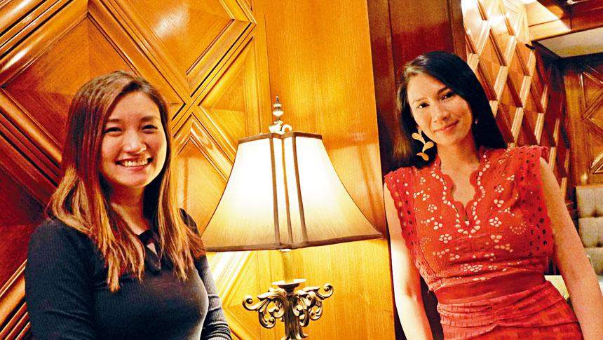 獲獎無數的香港影片《淪落人》導演陳小娟(左)、女主角姬素孔尚治(右)接受本報的采訪。陳小娟表示,希望透過電影能夠鼓勵到每一個人,都有追求自己夢想的權利與夢想。梁敏育攝