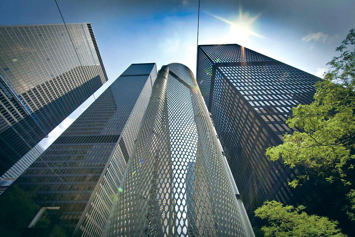 ■本國經濟和房市放緩、家庭債務升高,令各大銀行轉向美國追求利潤增長。星報資料圖片