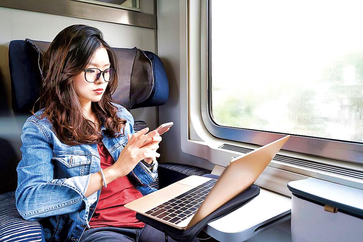 ■有專家指出,消費者在參加手機服務合約前要三思,了解清楚相關條款。星報