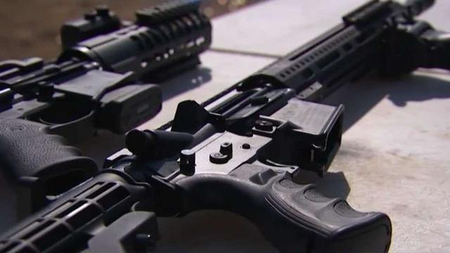 不需許可的自製幽靈槍在南加氾濫,造成治安問題。NBC 4 Los Angeles