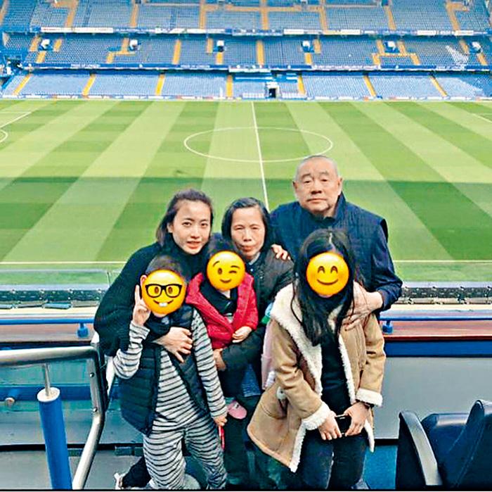 ■大劉、甘比與仔女及甘比母,同遊車路士球場。