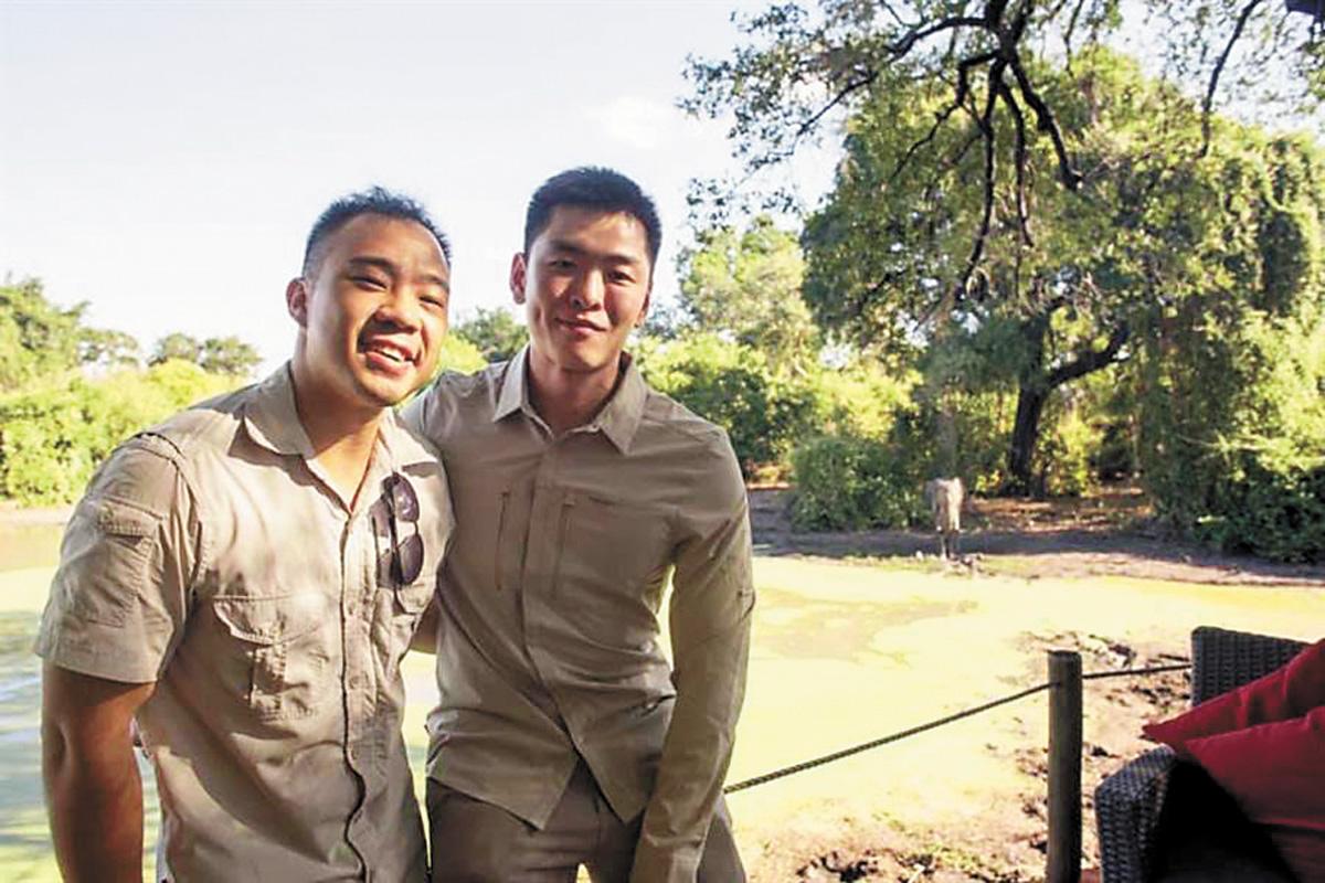 李桓武在社交媒體上公布與男友在非洲的照片。網上圖片