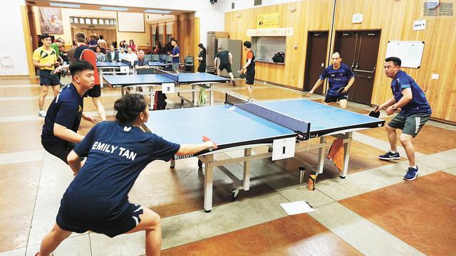 第六屆羅頓盃乒乓球雙打友誼邀請賽現場。記者黃偉江攝