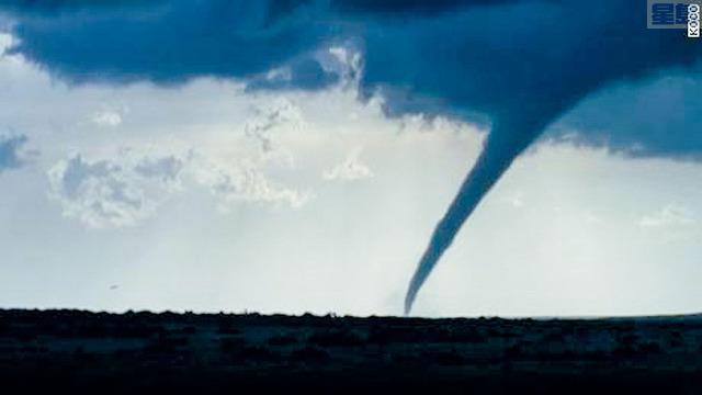 ■俄克拉荷馬西南部的科曼奇縣受到龍捲風吹襲。視頻截圖