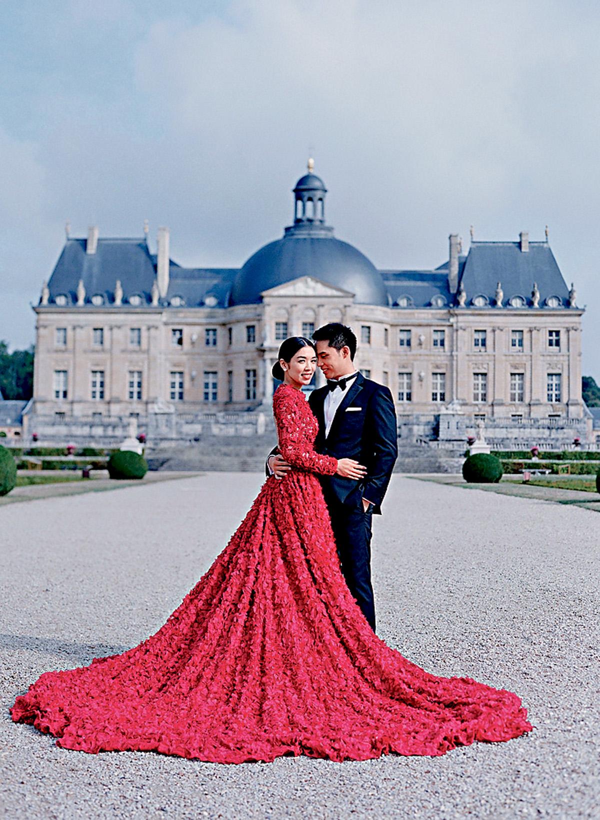 ■嚴紀雯與老公到法國影夢幻婚紗照。