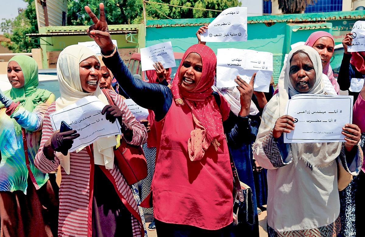 蘇丹民眾近日罷工要求軍政府領袖下台。 路透社