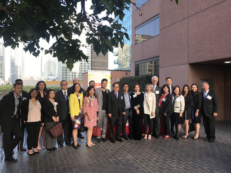 華埠服務中心為感謝一眾熱心捐獻者多年來的慷慨捐獻,邀請60位商家及社區人士出席感謝酒會。主辦方提供