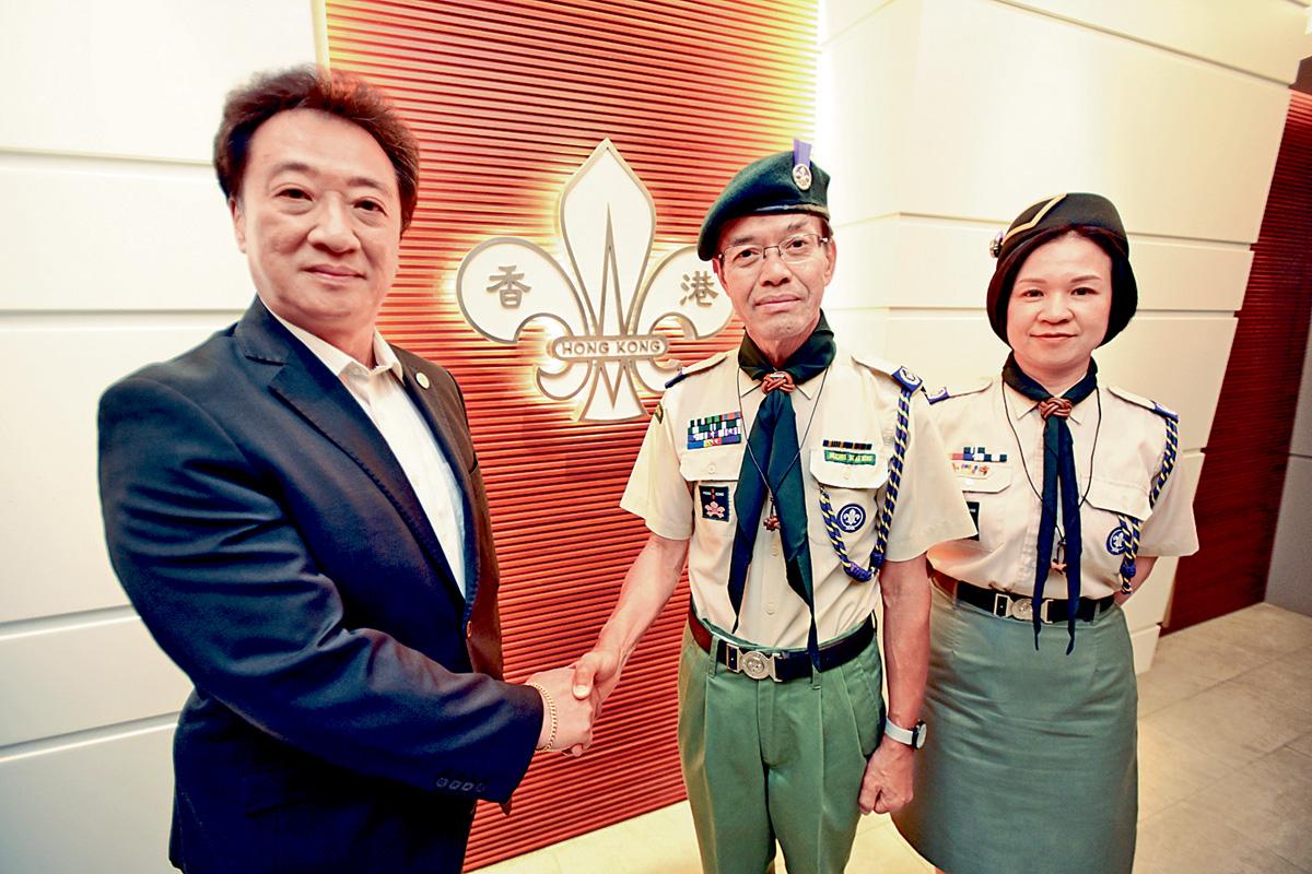 香港童軍總會總監吳亞明(中間)表示,今年起將推出五年社區貢獻計劃。梁文輝攝