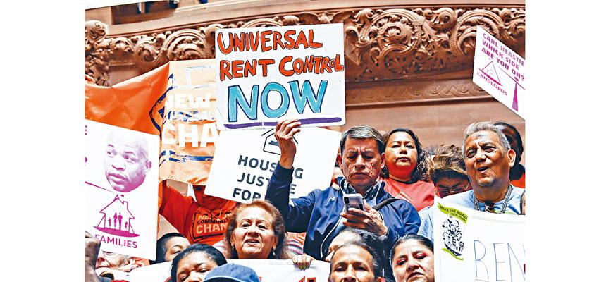 奧本尼日前發生爭取租管的大規模示威抗議。美聯社