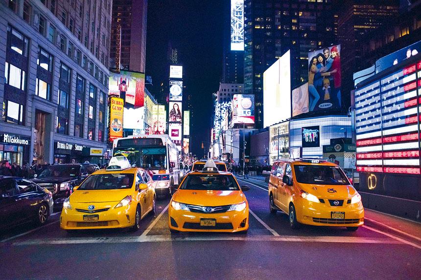 紐約的士牌照價格在幾年內急跌近半。Kholood Eid/紐約時報
