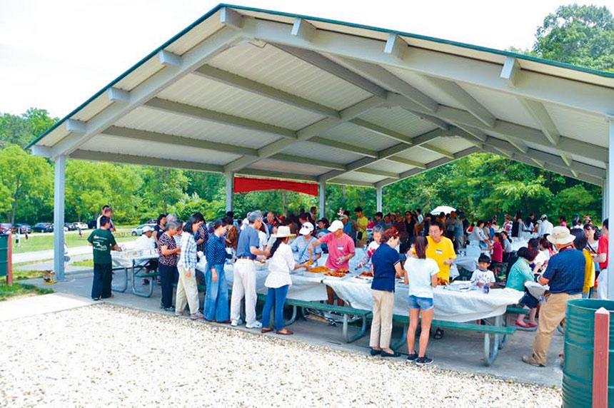 希望中文學校赫城校區舉辦春季學期結束野餐會。