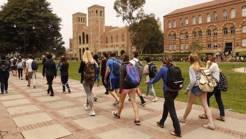UCLA違反加大性行為不當政策,出面指控醫生赫普斯的受害女性已達22人。洛杉磯時報
