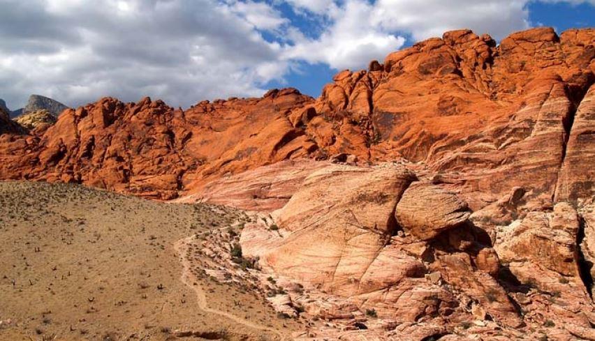 過去六年,拉斯維加斯的紅岩峽谷國家保護區遊客訪問量增加兩倍。Red Rock Canyon