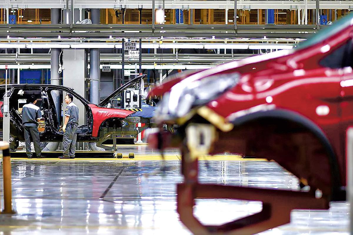 ■受到汽車業銷售下降影響,全國4月份製造業銷售額意外地減少了0.6%。星報