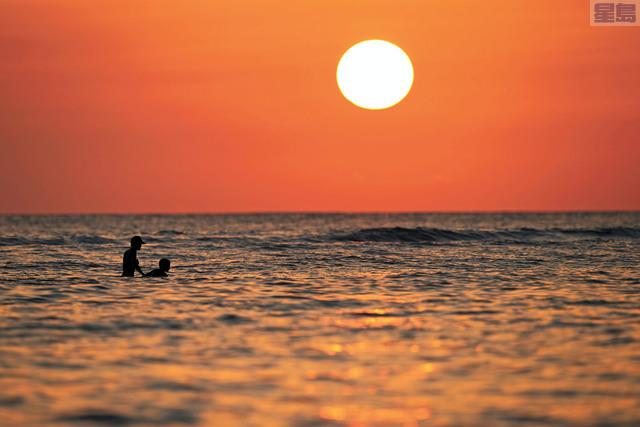 州府將撥款1300萬元整修威基基海灘和海堤。美聯社