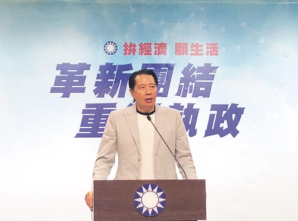 國民黨發言人歐陽龍日前說,國民黨主席吳敦義在中常會上表示,等國民黨總統候選人出線,整體戰略才會實施。中央社