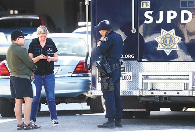 聖荷西警察局鑑證科人員在案發現場取證。灣區新聞集團/美聯社