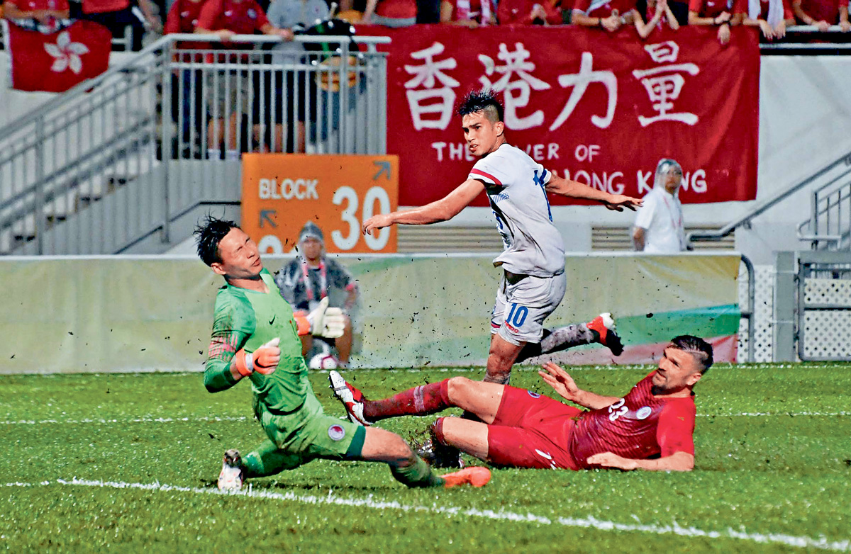 ■陳浩瑋(中)梅開二度,帶領中華台北擊敗香港。