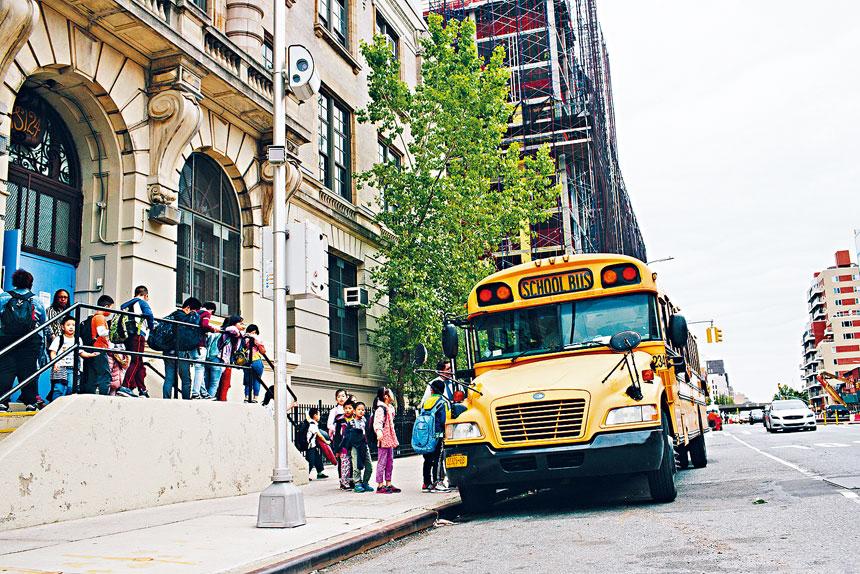 紐約市將分階段把校區超速相機增加至750部。Elizabeth D. Herman/紐約時報