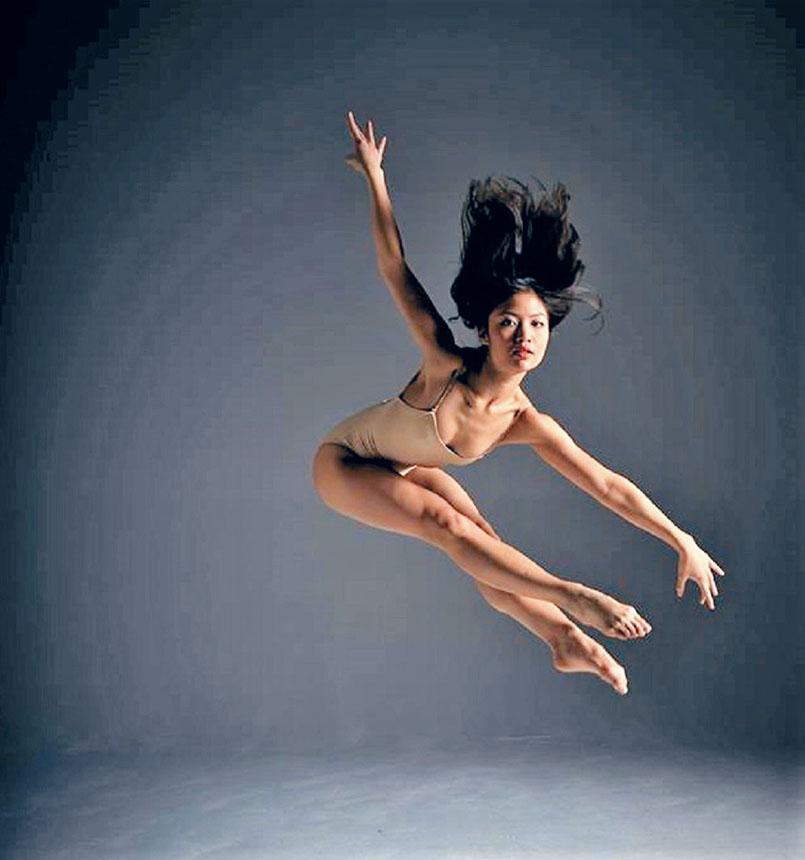 趙明擅長高難度的舞蹈動作。來自臉書