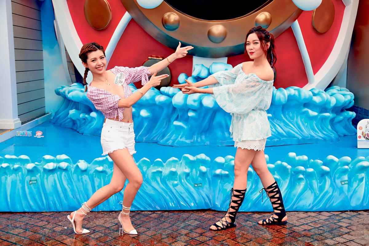 ■張秀文與湯洛雯以清爽打扮出席夏水禮。