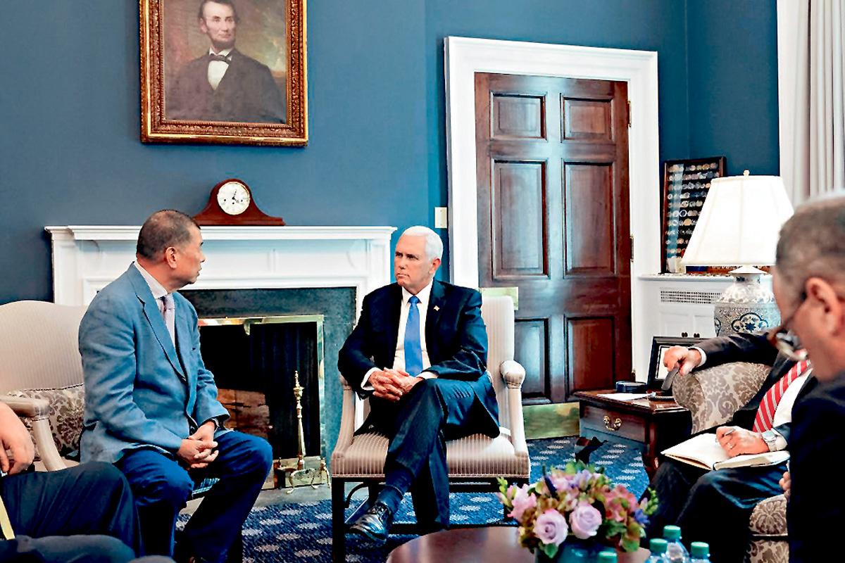 美國副總統彭斯日前會見黎智英。