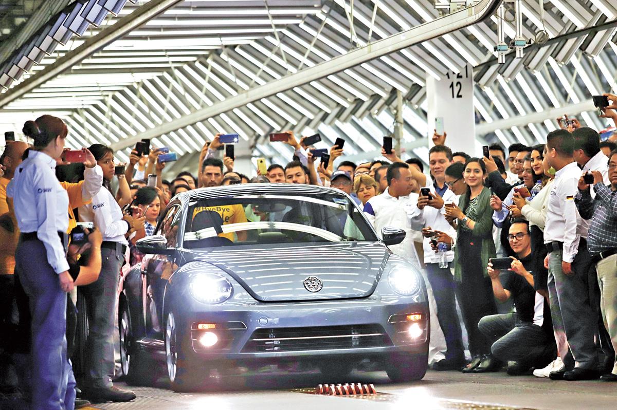 隨著最後一輛甲殼蟲汽車開下生產線,這個陪伴了全球幾代人記憶的經典品牌徹底成為了歷史。路透社