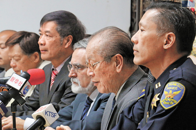 佩斯金和易文耀出席華埠治安研討會。記者彭詩喬攝