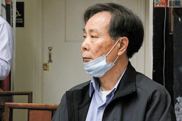 15日搶劫案受害者黃宏昶戴口罩出席研討會。