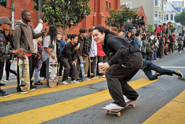 日菲裔滑板好手沖川本月中參加Dolores滑板比賽中的英姿,可惜意外受傷。取自GoFundMe