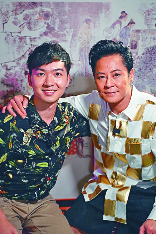 傑仔接受香港開電視訪問,他自言要跟舞台結婚。