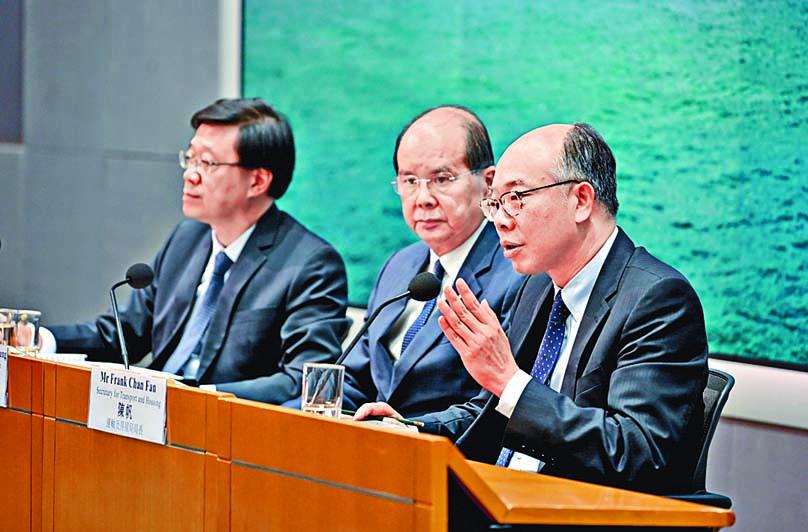 陳帆表示,機場出現未經批准的集會,令香港付出沉重代價。