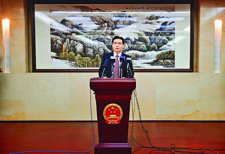 港澳辦新聞發言人楊光在記者會宣讀聲明。