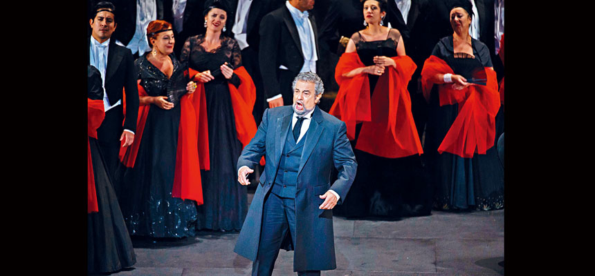 圖為歌劇之王多明戈2016年在法國舉行的古典音樂藝術家音樂會上演出。    法新社