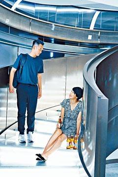 吳浩康邀何嘉莉擔任MV女主角。