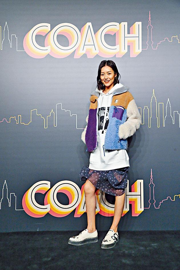 劉雯擔任COACH的中國區代言人僅十八天,宣布割席。