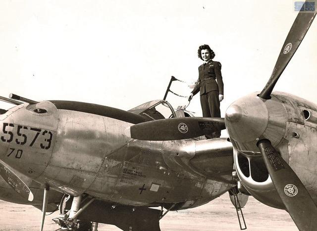 駕駛飛機橫跨美國的女機師奧臣離世,享壽103歲。家屬提供