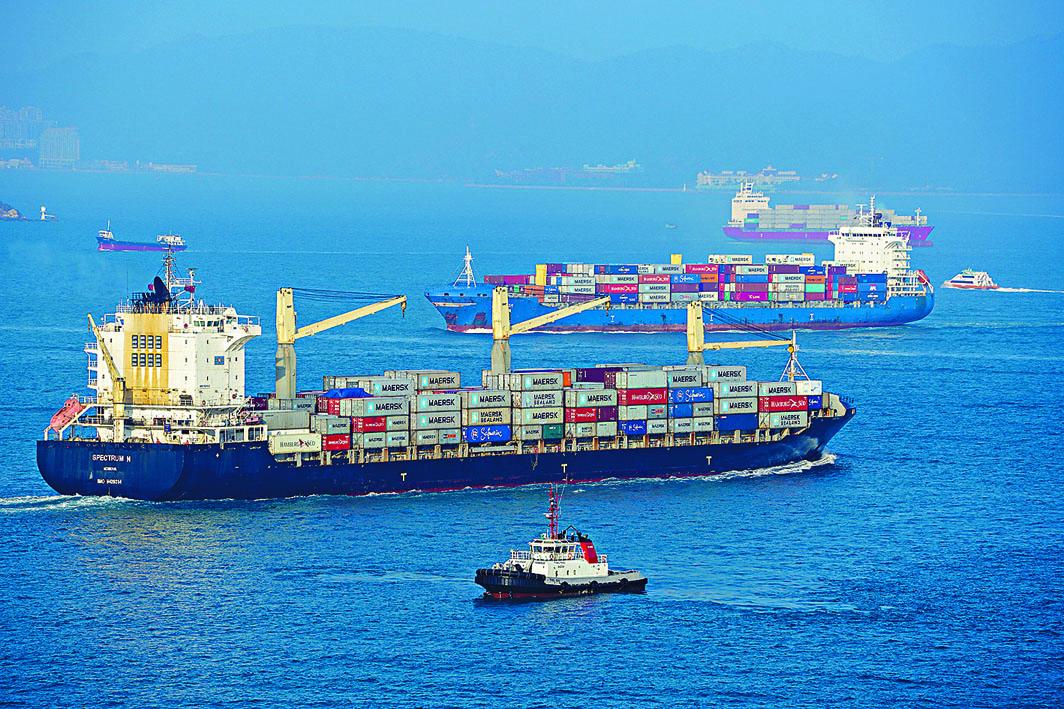 今年七月香港整體出口和進口貨值,分別下跌5.7%和8.7%。