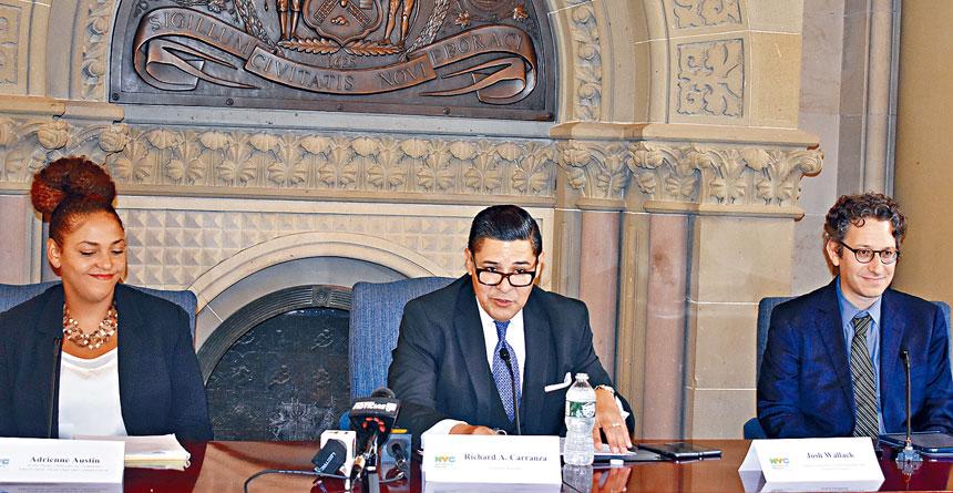 卡蘭札於周五圓桌會上再表態,堅定反對SHSAT及天才班的設立,並否認其主張與種族有關。