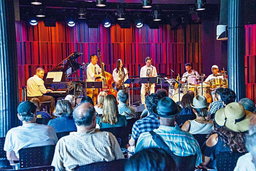 低音提琴徐崇育、薩克斯風潘恒健、潘子爵& Soy La Ley古巴爵士樂團剛完成紐奧良演出,前來紐約。